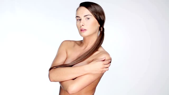 stockvideo's en b-roll-footage met beautiful model posing - ontbloot bovenlichaam