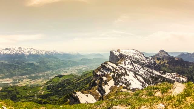 wunderschöne landschaft timelapse - grenoble stock-videos und b-roll-filmmaterial