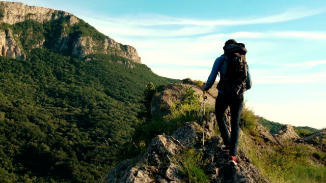 beautiful mountain - zaino da montagna video stock e b–roll