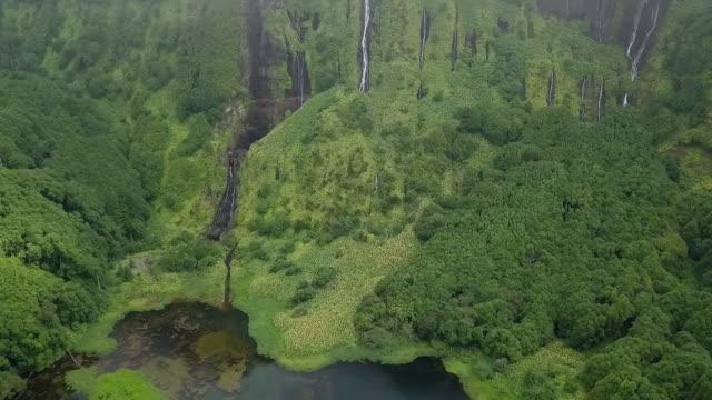 hd ビデオ、アゾレス諸島の美しい自然の滝 - アゾレス諸島点の映像素材/bロール