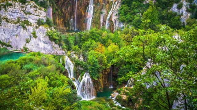 Schöne Natur mit Wasserfällen im Nationalpark Plitvice See