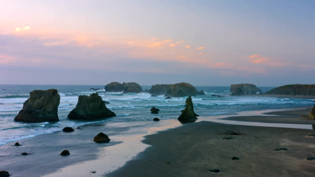 vidéos et rushes de magnifique côte pacifique de bandon - côte de l'oregon