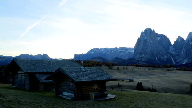 beautiful scenery from alpe di siusi, mountains of dolomite. - siusi video stock e b–roll