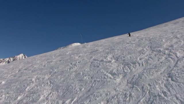 vidéos et rushes de magnifiques pistes de ski - en individuel