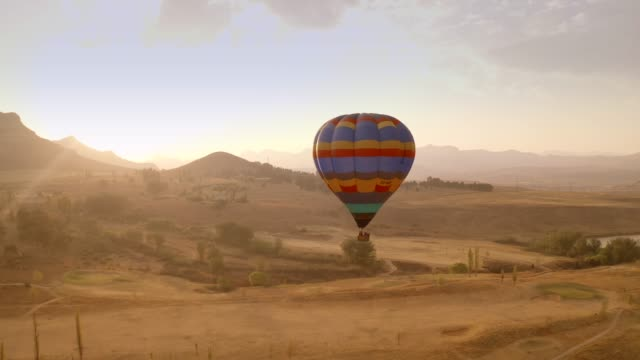 beautiful south africa- hot air ballooning - reportage stock videos & royalty-free footage
