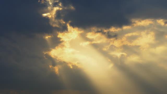 beautiful sun ray time lapse - overcast bildbanksvideor och videomaterial från bakom kulisserna