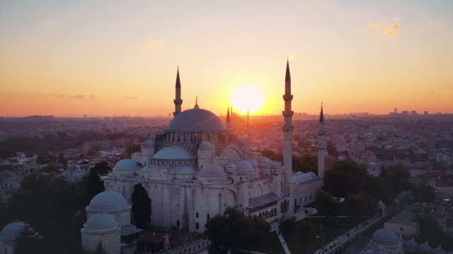 beautiful sunset drone video of süleymaniye mosque - monument stock videos & royalty-free footage