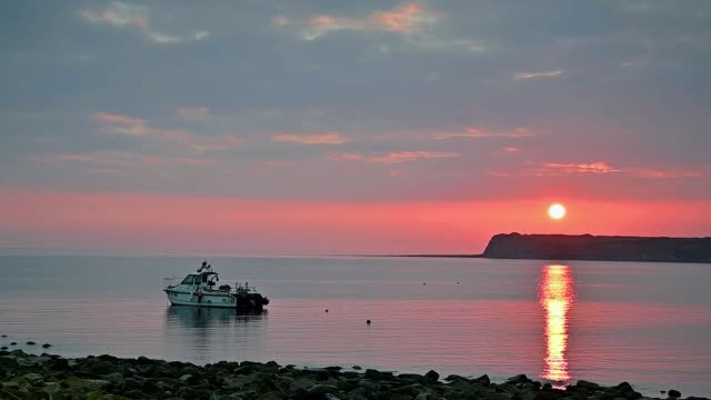 beautiful sunset view over the kimmeridge bay in dorset, uk - passenger ship stock videos & royalty-free footage