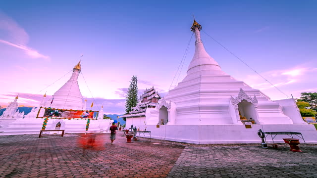 beautiful temple, day to night time lapse. - mae hong son province stock videos and b-roll footage
