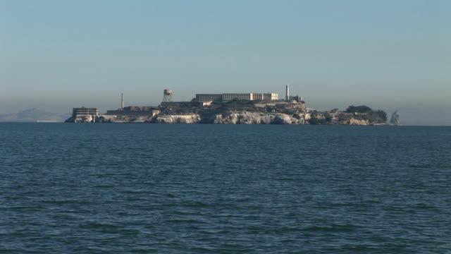 アルカトラズ島の美しい眺め - アルカトラズ島点の映像素材/bロール