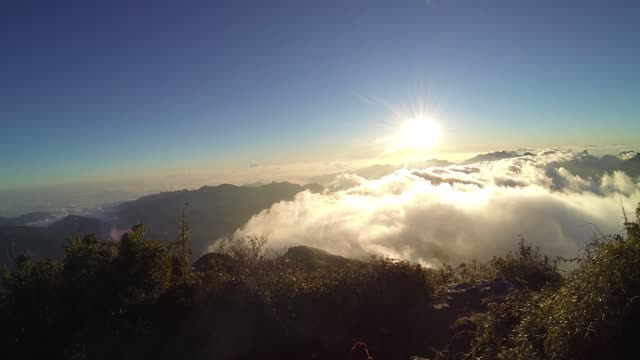 beautiful view sunrise from fansipan mountain - sa pa stock videos and b-roll footage