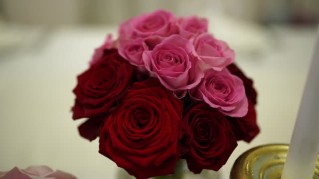 beautiful wedding table setting - bouquet video stock e b–roll