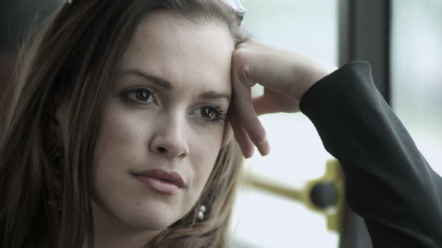 HD: Schöne Frau Denken