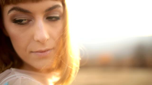 vídeos y material grabado en eventos de stock de hermosa mujer - república checa