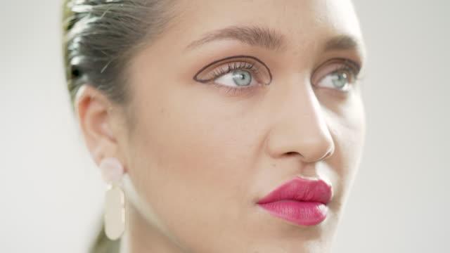 美容ファッション - ビフォーアフター点の映像素材/bロール