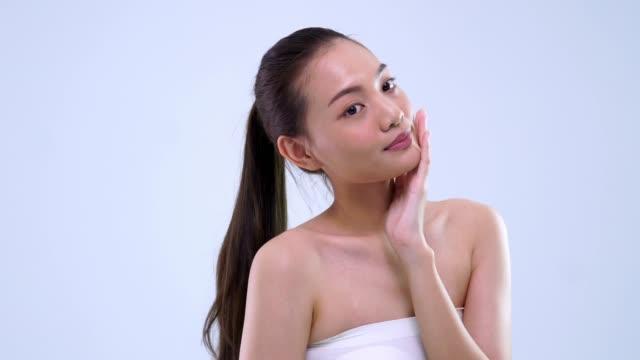 幸せな瞬間に美しさの女の子 - korea点の映像素材/bロール