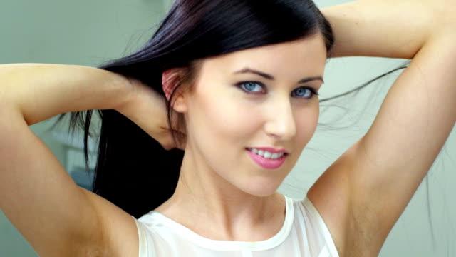 Foto de belleza de mujer joven Brunette