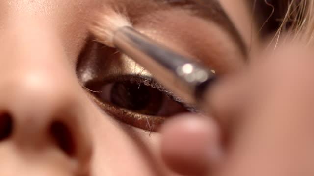 vídeos y material grabado en eventos de stock de beauty - lips & eyes - sombreador de ojos