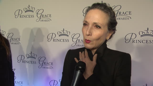 bebe neuwirth talks about being a part of the princess grace foundation and who she is most excited to meet at the 2018 princess grace awards gala at... - マンハッタン チプリアーニ点の映像素材/bロール