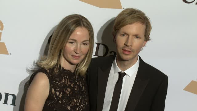 stockvideo's en b-roll-footage met beck at the 2016 pregrammy gala and salute to industry icons honoring irving azoff at the beverly hilton hotel on february 14 2016 in beverly hills... - irving azoff