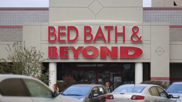 a bed bath beyond inc store stands in falls church virginia us on monday sept 21 2015 shots shots focus on signage above the store entrance - falls church stock-videos und b-roll-filmmaterial