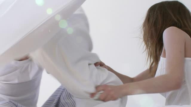 bed fight - kudde sängkläder bildbanksvideor och videomaterial från bakom kulisserna