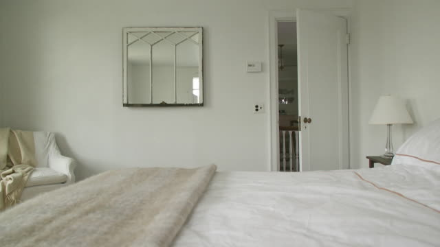 ms pan bedroom, scarborough, new york, usa - mirror stock-videos und b-roll-filmmaterial