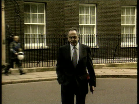 BSE ITN ENGLAND London Downing Street No 10 MS Dr John Cunningham MP out No 10 towards to camera Cunningham speaking press must be open about this...