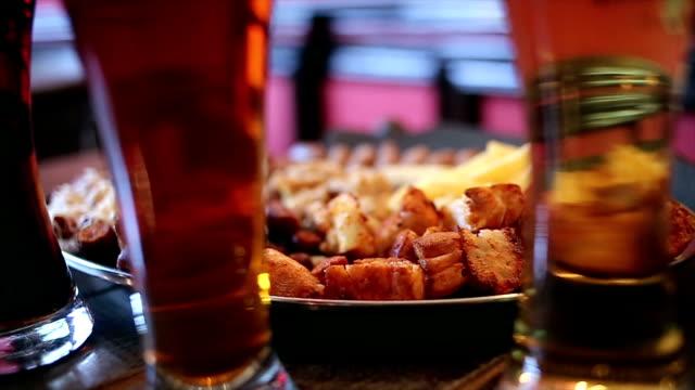 Bier und Antipasto