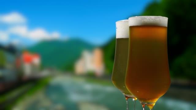 Öl över sommaren mountain resort street