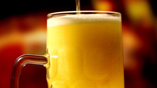 vídeos de stock, filmes e b-roll de cerveja - baviera