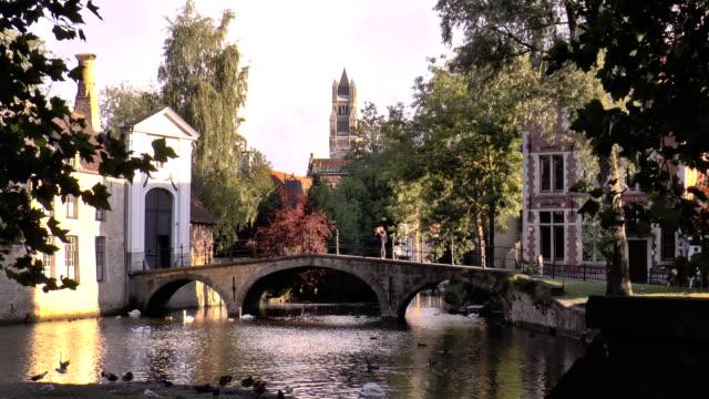 ベギン会修道院の橋-ブルージュ,ベルギー - ベルギー点の映像素材/bロール