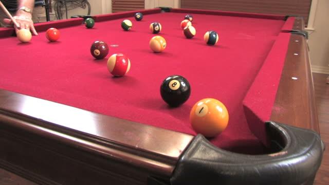 後ろ 8 -ボール(hd - ビリヤード点の映像素材/bロール