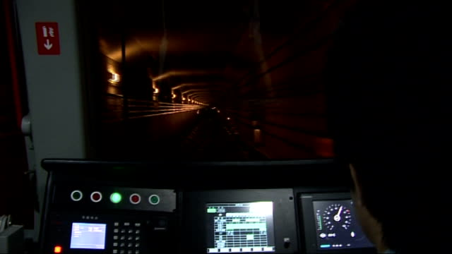 beijing 2008 olympic games: general views of beijing subway / metro rail system; underground tunnel ahead seen from train driver point of view /... - 2008年北京夏季オリンピック点の映像素材/bロール