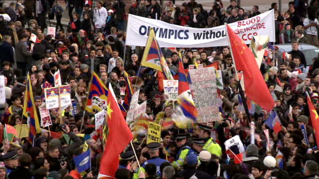 beijing 2008 olympic games: london torch procession disrupted by tibet protesters: torch arrives in greenwich; dame kelly holmes and princess anne on... - 2008年北京夏季オリンピック点の映像素材/bロール