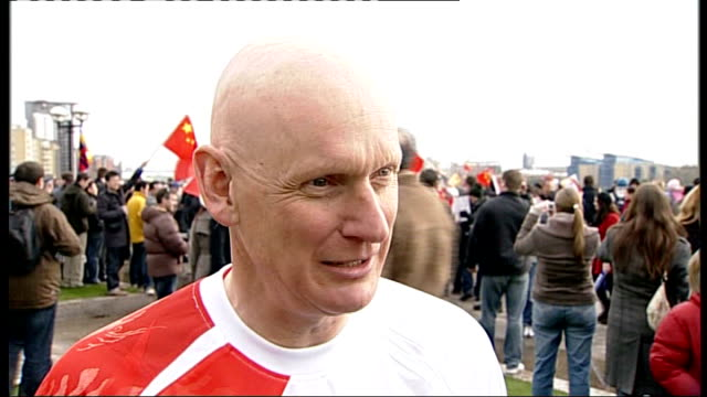 london torch procession disrupted by tibet protesters torh handover to dame ellen macarthur/goodhew interview duncan goodhew interveiw sot thrill to... - duncan goodhew stock videos & royalty-free footage