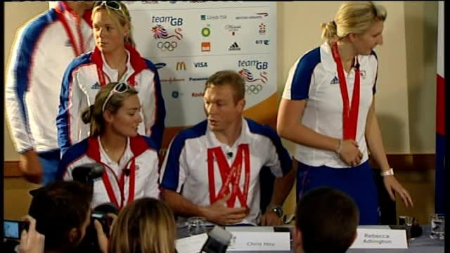 beijing 2008 olympic games: team gb return to britain: press conference; england: london: heathrow: int lord colin moynihan , simon clegg and british... - 2008年北京夏季オリンピック点の映像素材/bロール