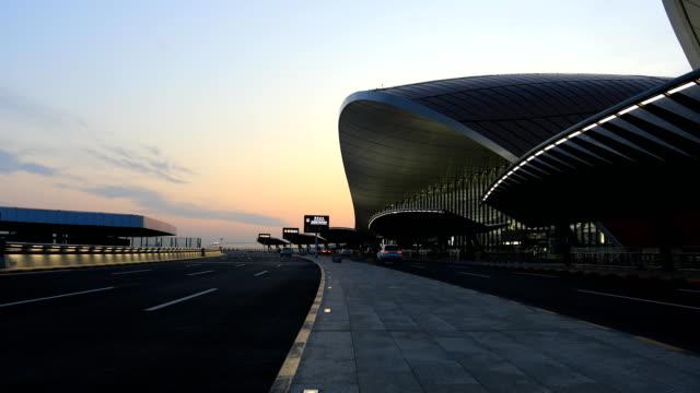 vídeos de stock, filmes e b-roll de beijing daxing international airport - arquiteto