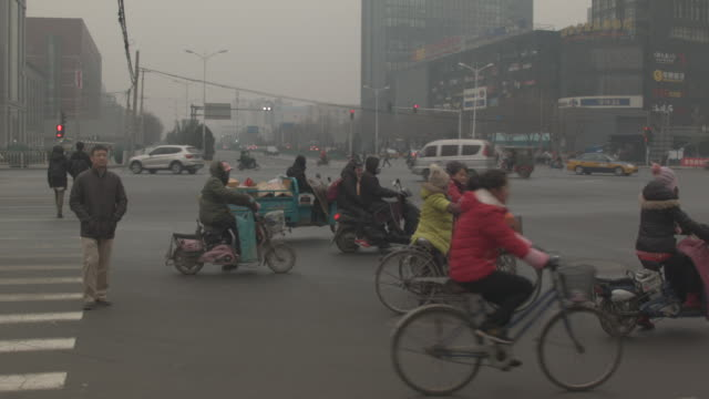 beijing in the smog - protective mask workwear stock videos and b-roll footage