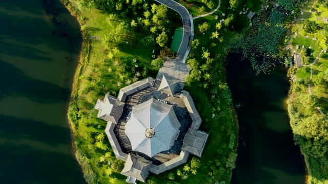 vidéos et rushes de beijing yanxi lake natural scenic area en chine - pagode