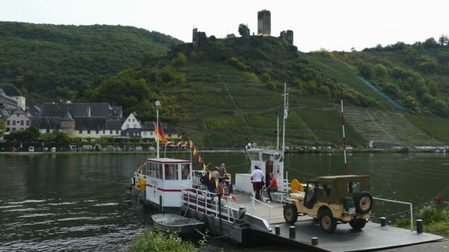 beilstein and metternich castle ruin, moselle river, rhineland-palatinate, germany, europe - 4x4 video stock e b–roll