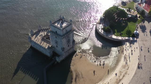 vidéos et rushes de belem tower à lisbonne - littoral