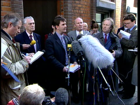 stockvideo's en b-roll-footage met belfast ext i/c ms jeffrey donaldson mp speaking to press at entrance to ulster unionist party headquarters jeffrey donaldson mp press conference sot... - david trimble