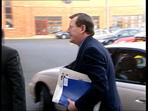 stockvideo's en b-roll-footage met belfast ulster unionist leader david trimble mp along from car into building - david trimble