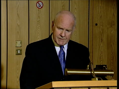 belfast int dr john reid mp press conference sot events over the last few days present politicians here with a clear choice they can use those events... - war in afghanistan: 2001 present stock-videos und b-roll-filmmaterial