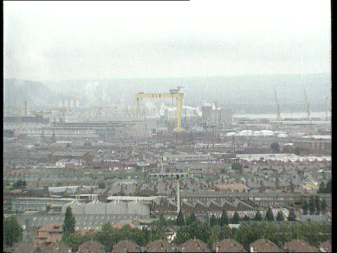 belfast zoom in shipyard ---------------------------------- cf = b0543443 or b0216038 19.47.52 to 19.49.33 mix/fx pab = b0460435 order ref:... - shipyard stock videos & royalty-free footage