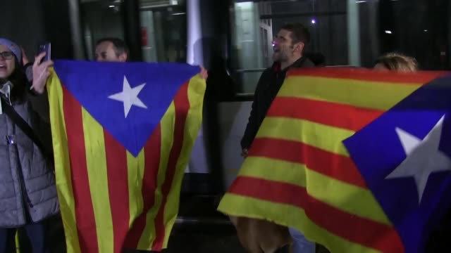 A Belgian judge releases Catalonia's sacked leader Carles Puigdemont and four exministers with conditions after Spain issued an EU warrant for their...