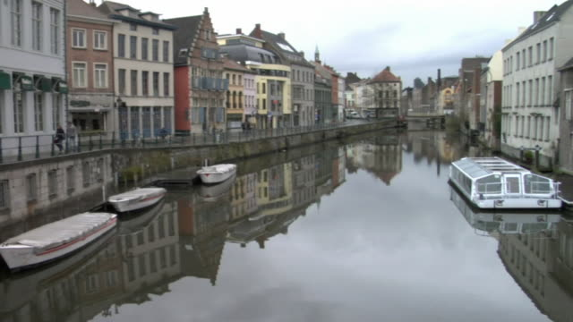 MS, PAN, Belgium, Brussels, Buildings and boats moored along canal