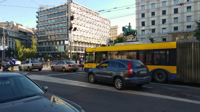 electric buses trg republike square - trolleybus stock-videos und b-roll-filmmaterial