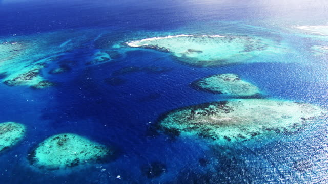 Belize: Reefs and little islands